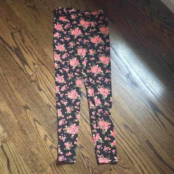 Forever 21 Pants - Flower print leggings